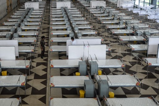 Bangladesh builds mega field hospital as virus outbreak worsens