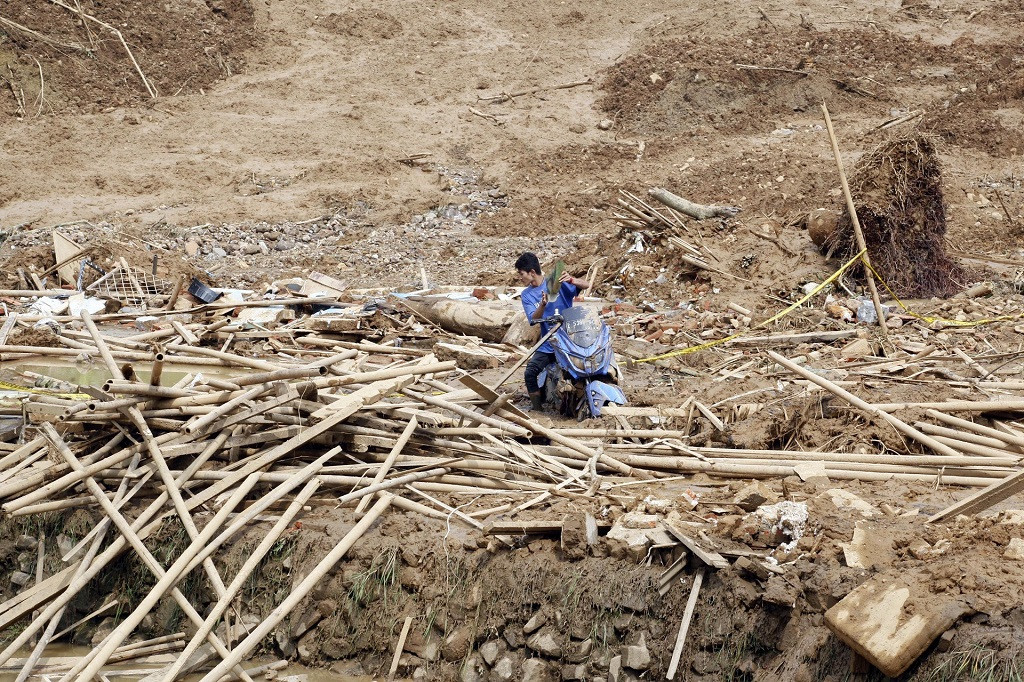 Floods, landslides hit regions as rainy season prolonged