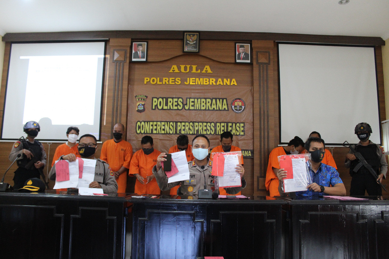 Bali Police arrest seven for allegedly selling COVID-19 travel permits at Gilimanuk Port