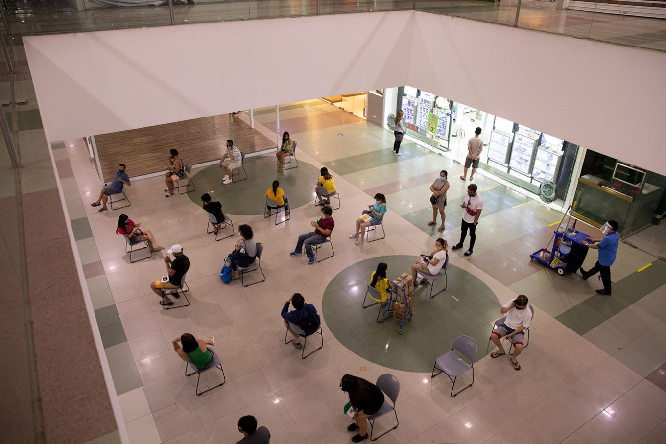No students in school without virus vaccine, Philippines says