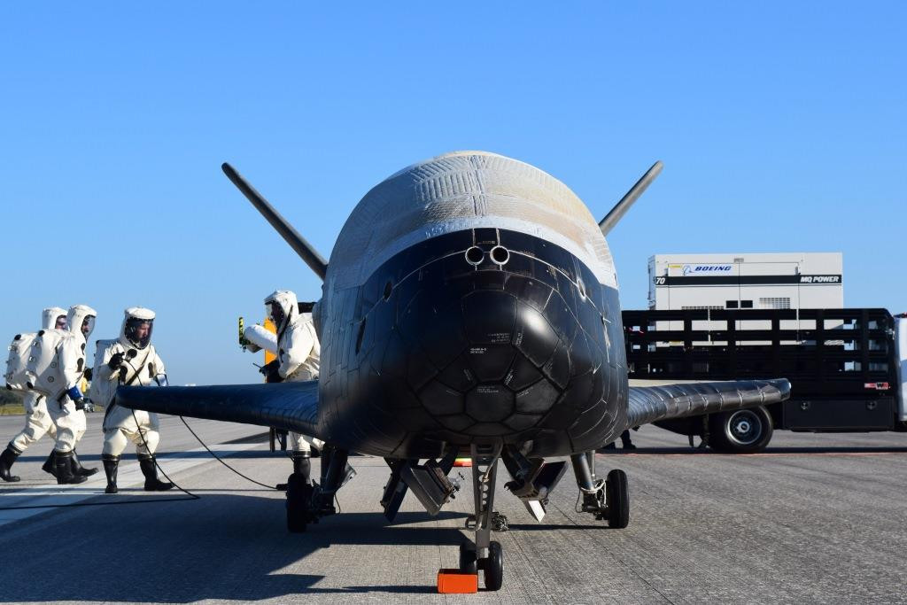 Unmanned US space plane launched from Florida