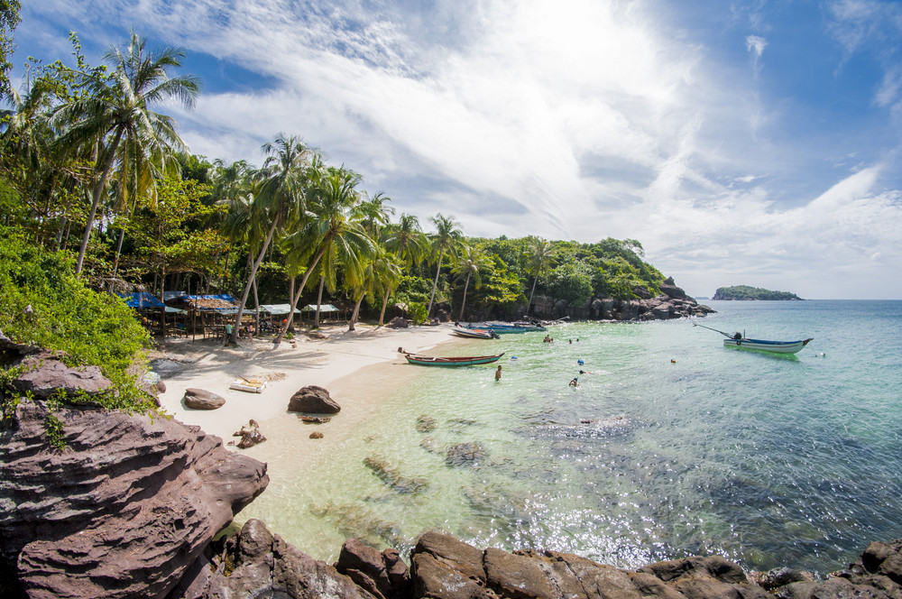 Vietnam offers cut-price paradise to lure local travelers post coronavirus