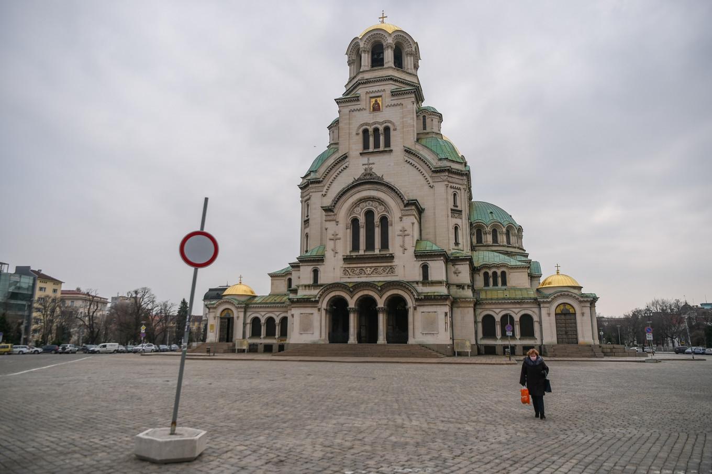 Bulgaria, neighbors ease travel restrictions