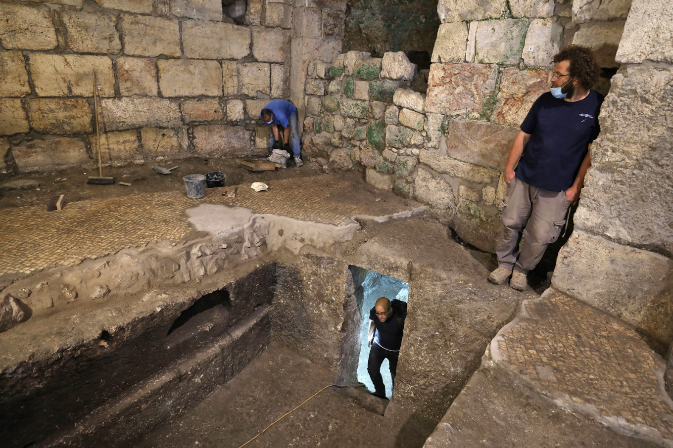 Researchers find ancient rooms under Jerusalem's Western Wall