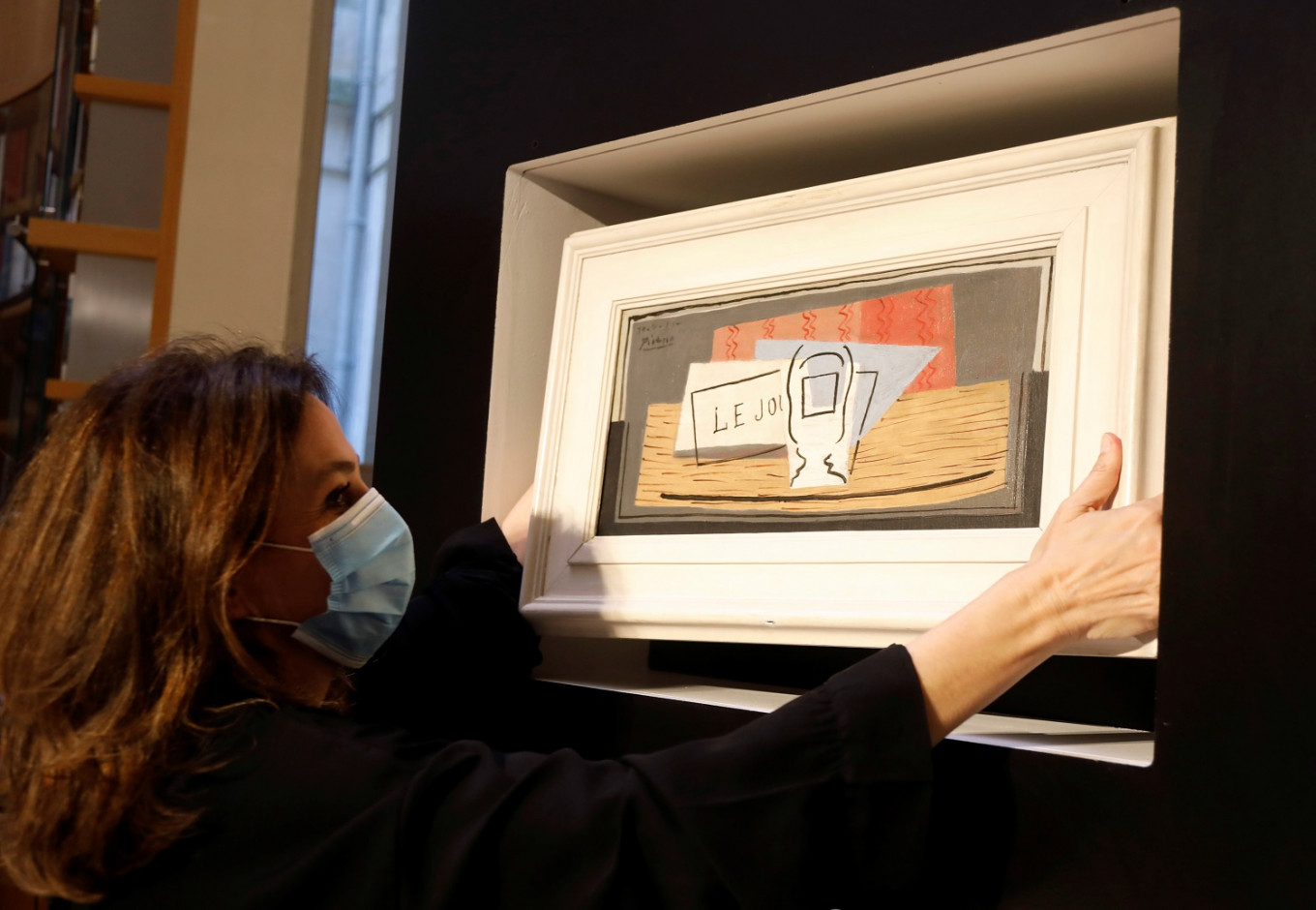 Italian woman wins Picasso painting in French charity raffle