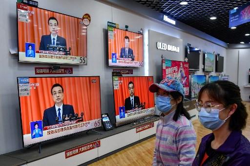 Hong Kong stocks battered by China security proposal