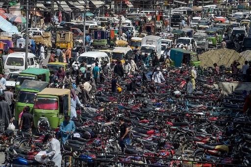 Eid shopping rush across Asia despite virus risk