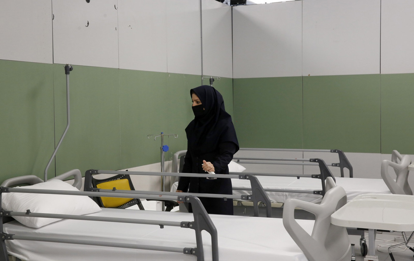 Iran daily virus deaths exceed 100 for first time in 2 months