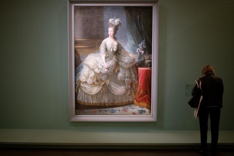 Marie-Antoinette's travel bag goes for royal ransom