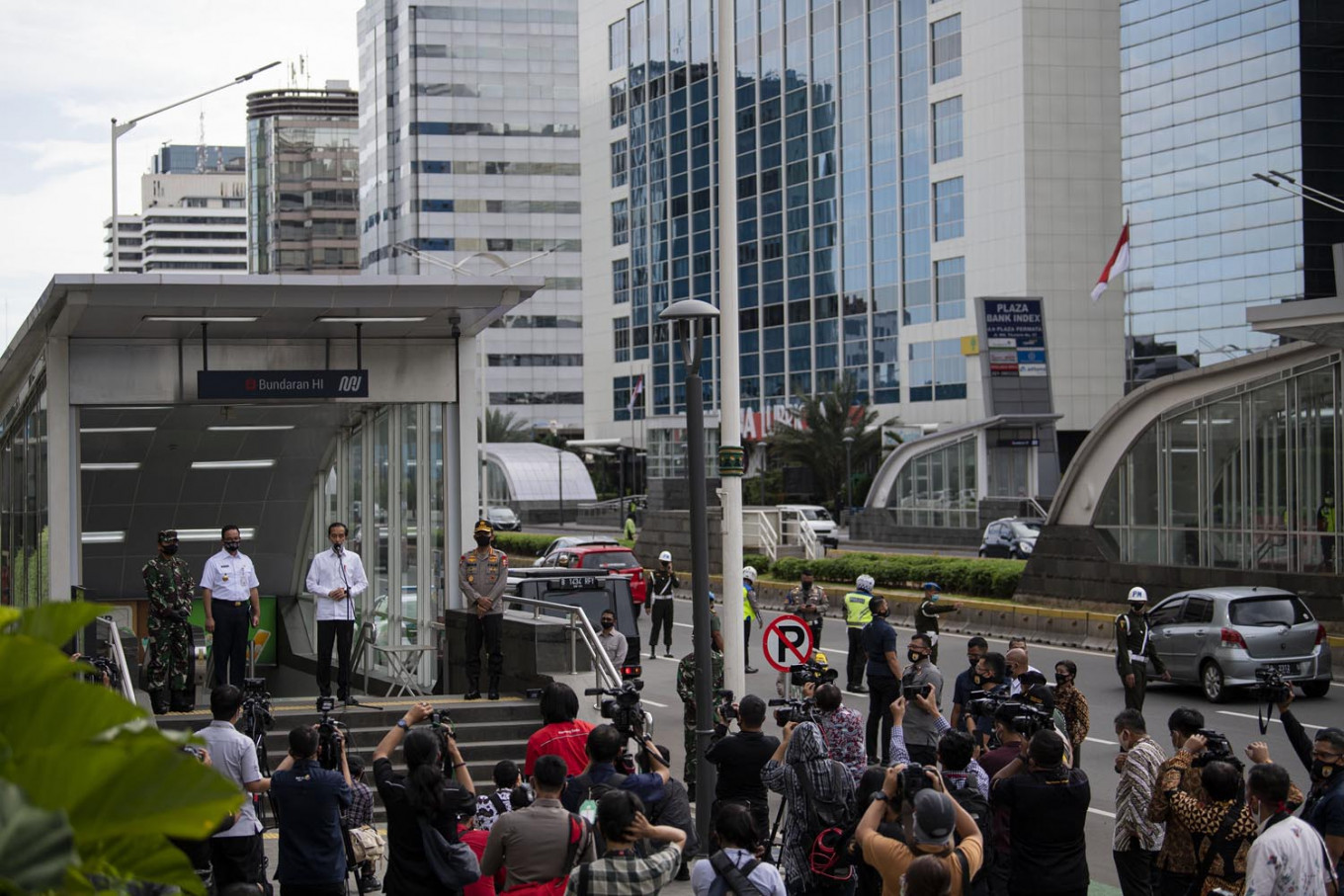 Concerns mount over reopening of offices, malls as Indonesia steps into 'new normal'