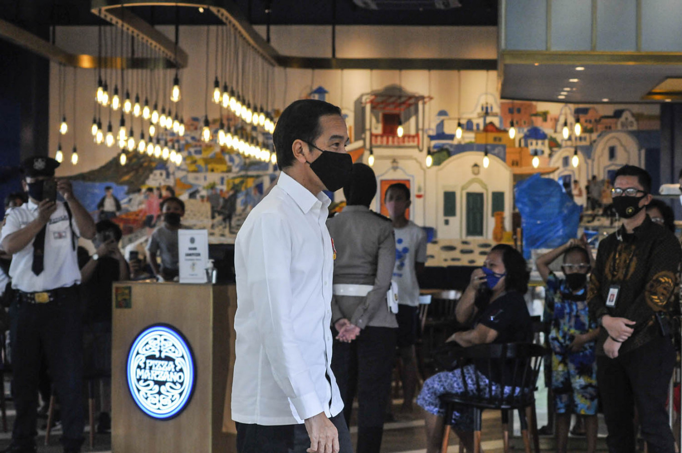 Jokowi visits mall in Bekasi ahead of reopening with 'new normal' protocols