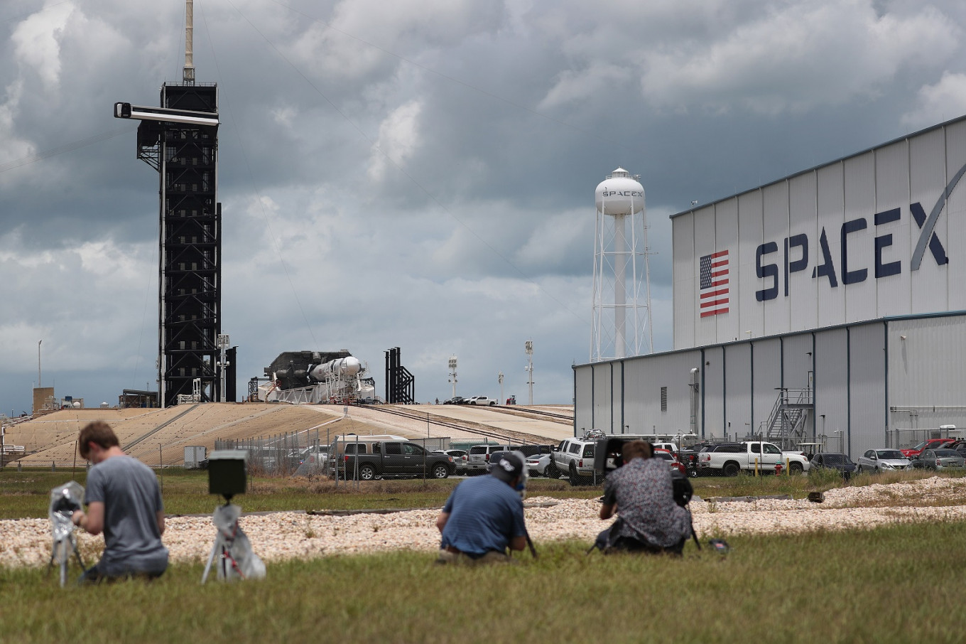 'No decision' on next launch attempt for historic SpaceX-NASA mission