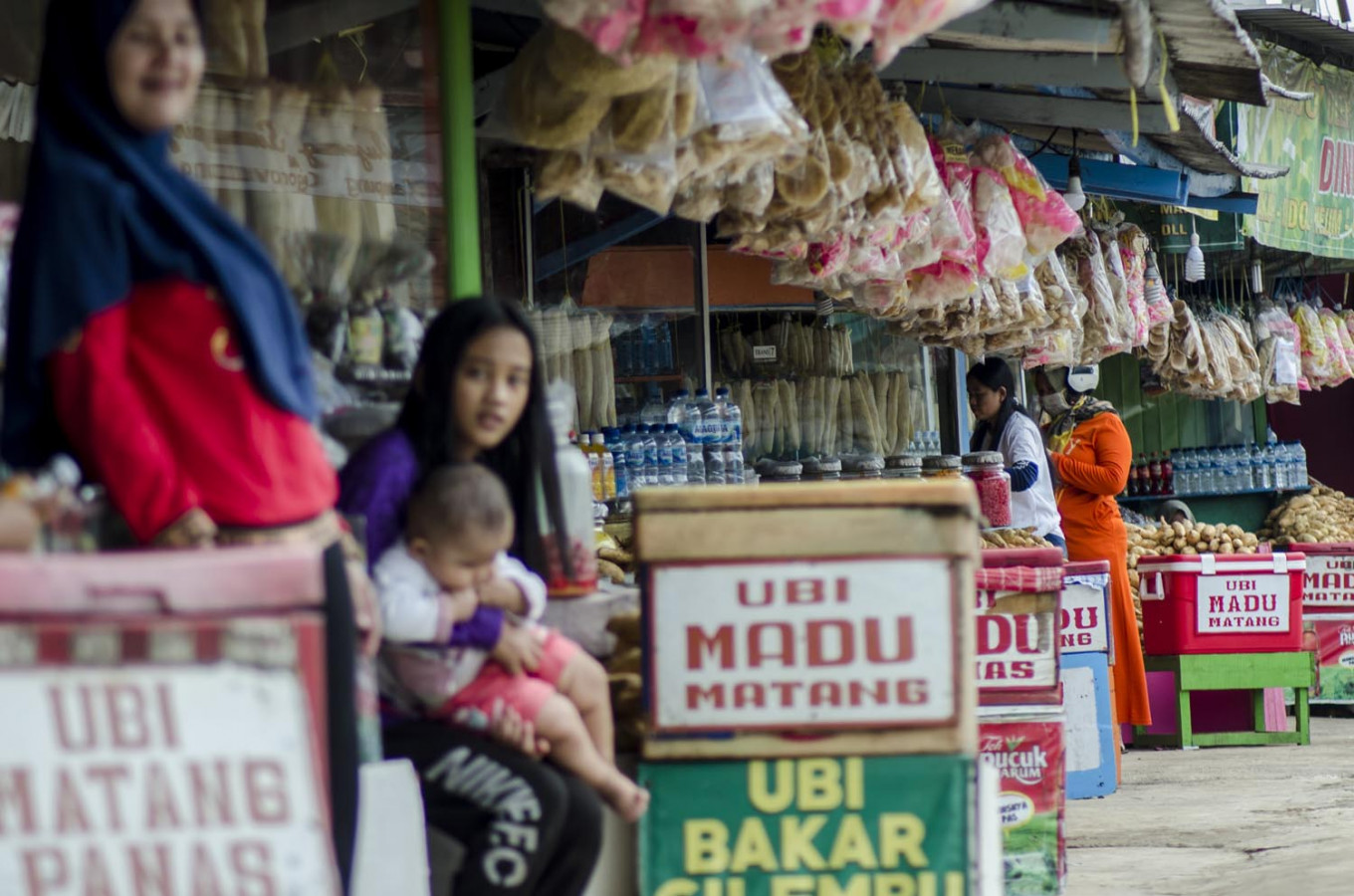 Bandung to close three markets after sellers tested positive for COVID-19