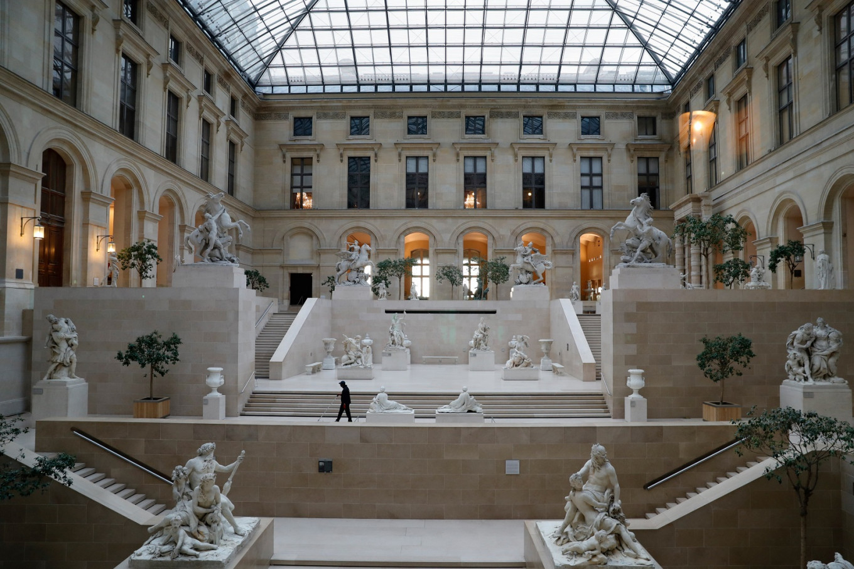 Louvre museum plans four-year 'transformation'