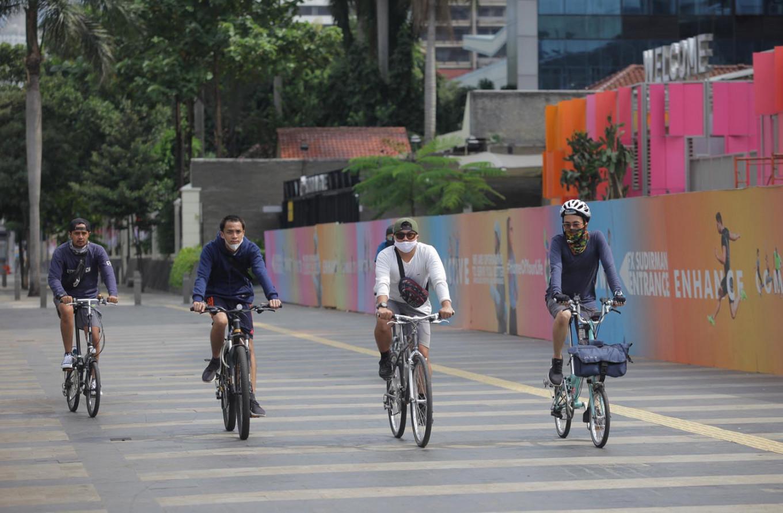 Urbanites turn to bike riding to beat cabin fever