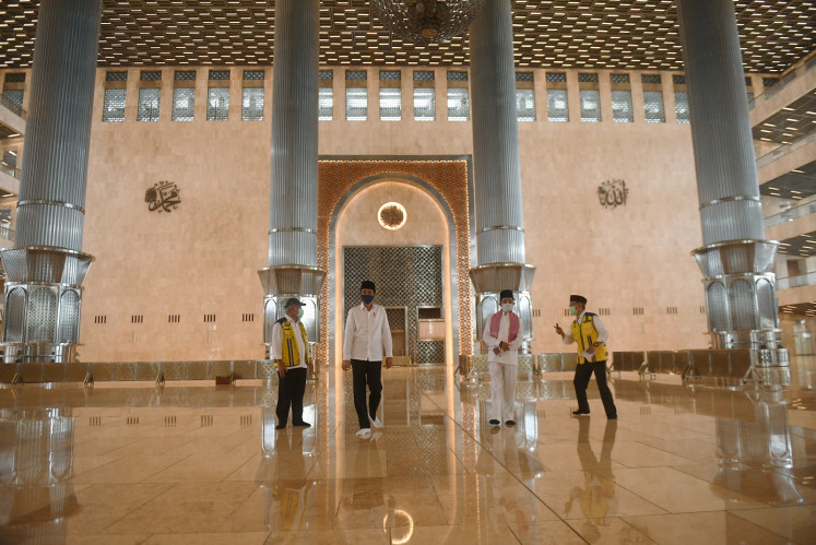 Istiqlal Mosque may reopen in July, Jokowi says while inspecting renovations