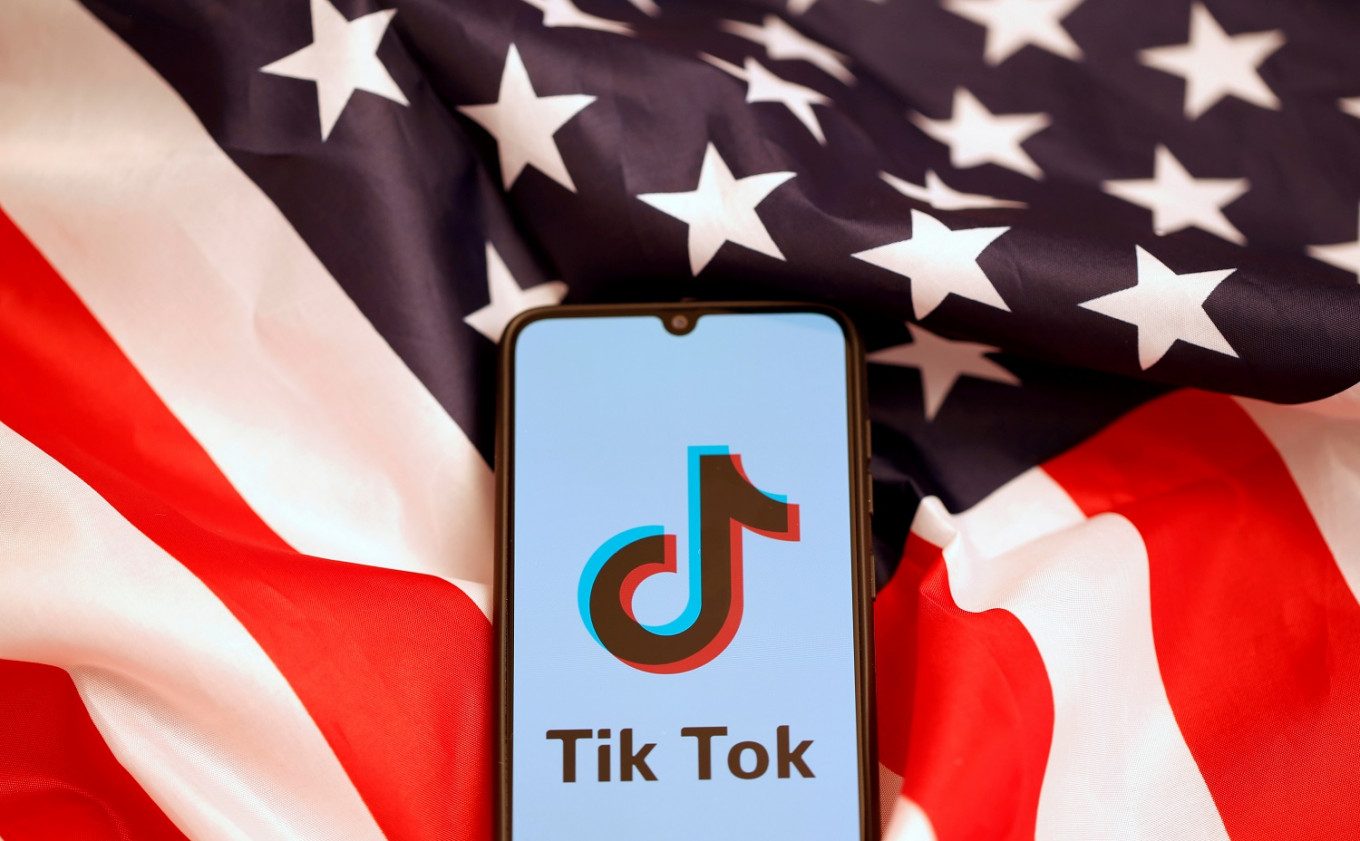 Pompeo says US looking at banning Chinese social media apps, including TikTok