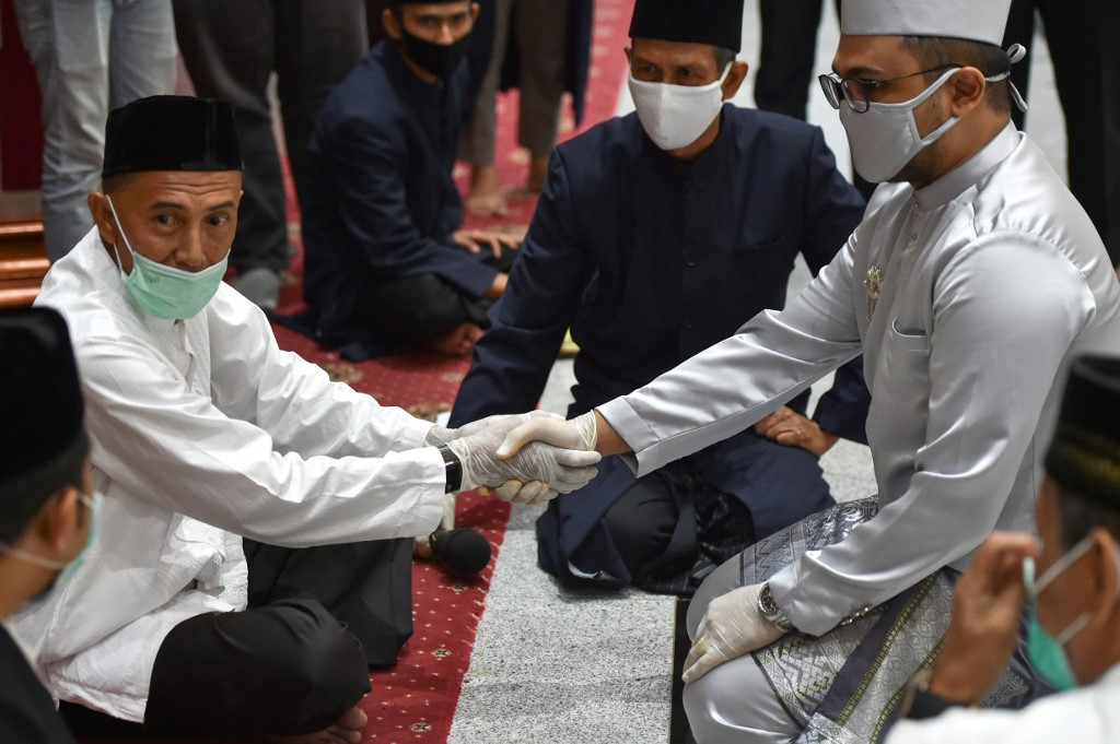 Muslims allowed to hold marriage ceremony outside KUA office amid new normal