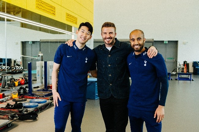 AIA global ambassador David Beckham (center) poses for a photograph with soccer players Son Heung-Min from South Korea (left) and Lucas Moura from Brazil.