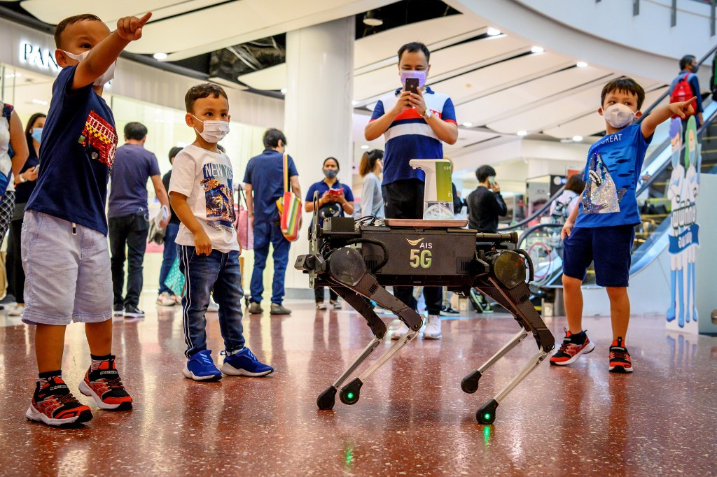 Robot dog hounds Thai shoppers to keep hands virus-free