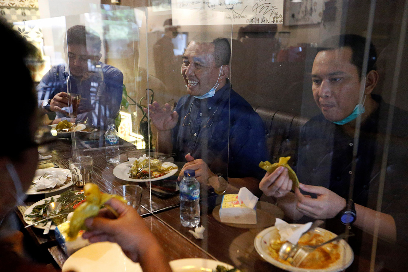 Association asks Anies to allow dine-ins at Jakarta restaurants