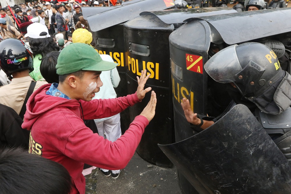 Indonesian police smarter than NYPD and LAPD, in handling demonstrators