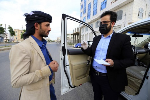 'Stop me if you need a doctor': Yemen medic treats poor from his car