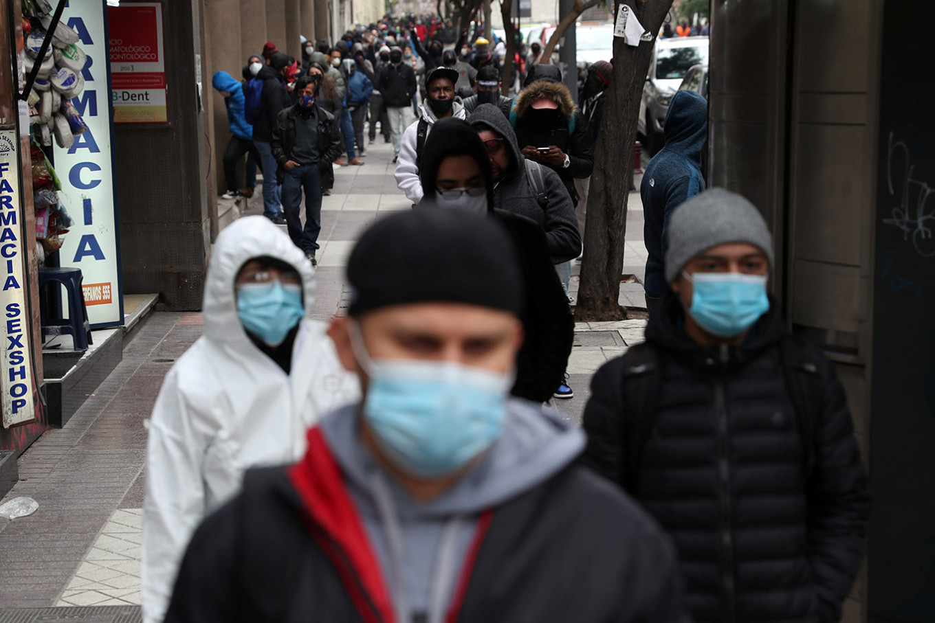 Coronavirus turns Chile's middle classes into new poor