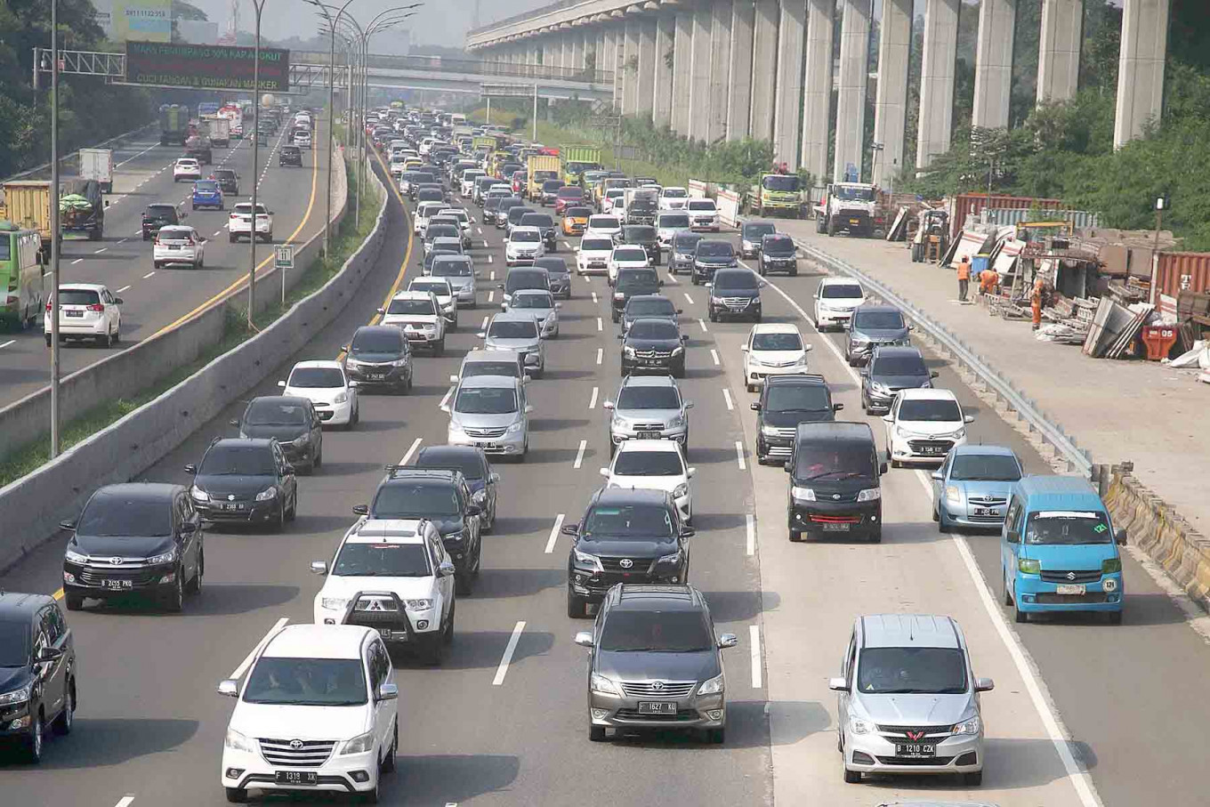 Two sections of Jakarta Outer Ring Road II to be opened this year
