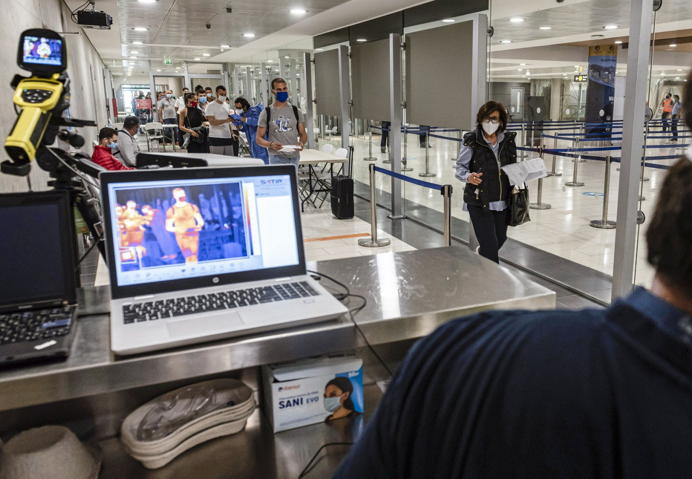 Cyprus welcomes first tourist flights since March