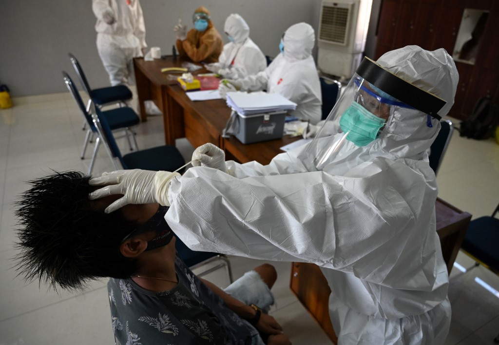 Indonesia surpasses half a million coronavirus cases