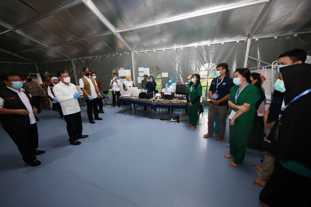 'Long, hard road ahead' to beat COVID-19, warns World Health Organization