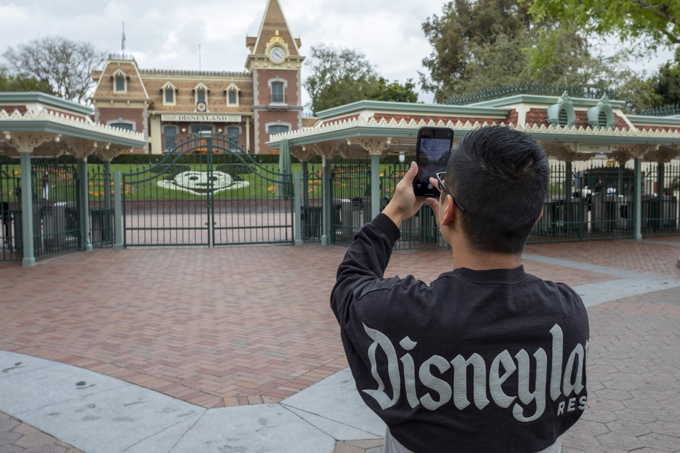 Disneyland Postpones Reopening of Theme Park, Resort
