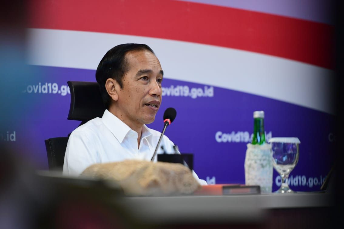 Jokowi instructs Cabinet members to lower transmission in COVID-19 hot spots within 2 weeks