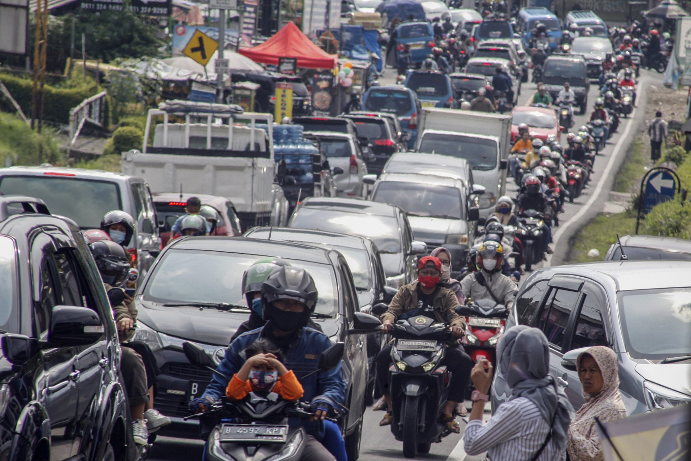 West Java to apply micro-scale restrictions in Jakarta's satellite cities