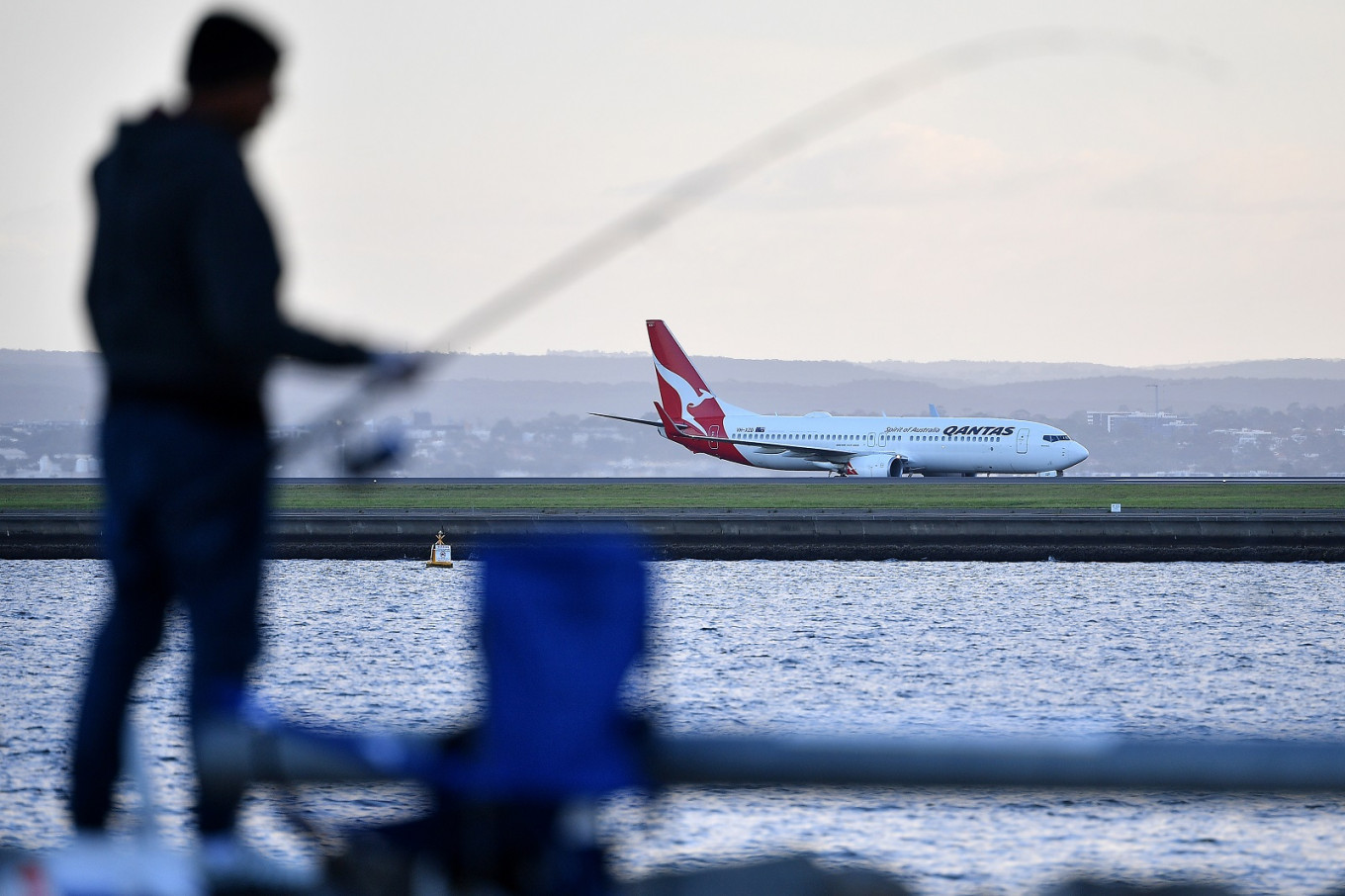 First 'no-quarantine' flights arrive into Australia as virus cases fall