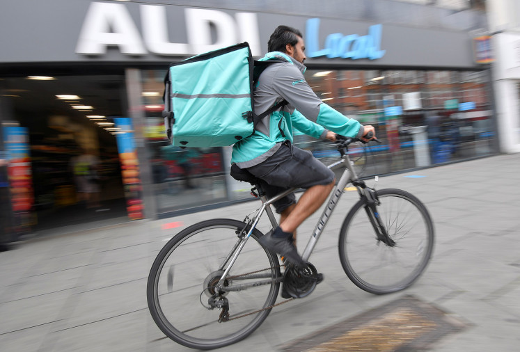 UK's Deliveroo raises $180m from investors, valued at $7b