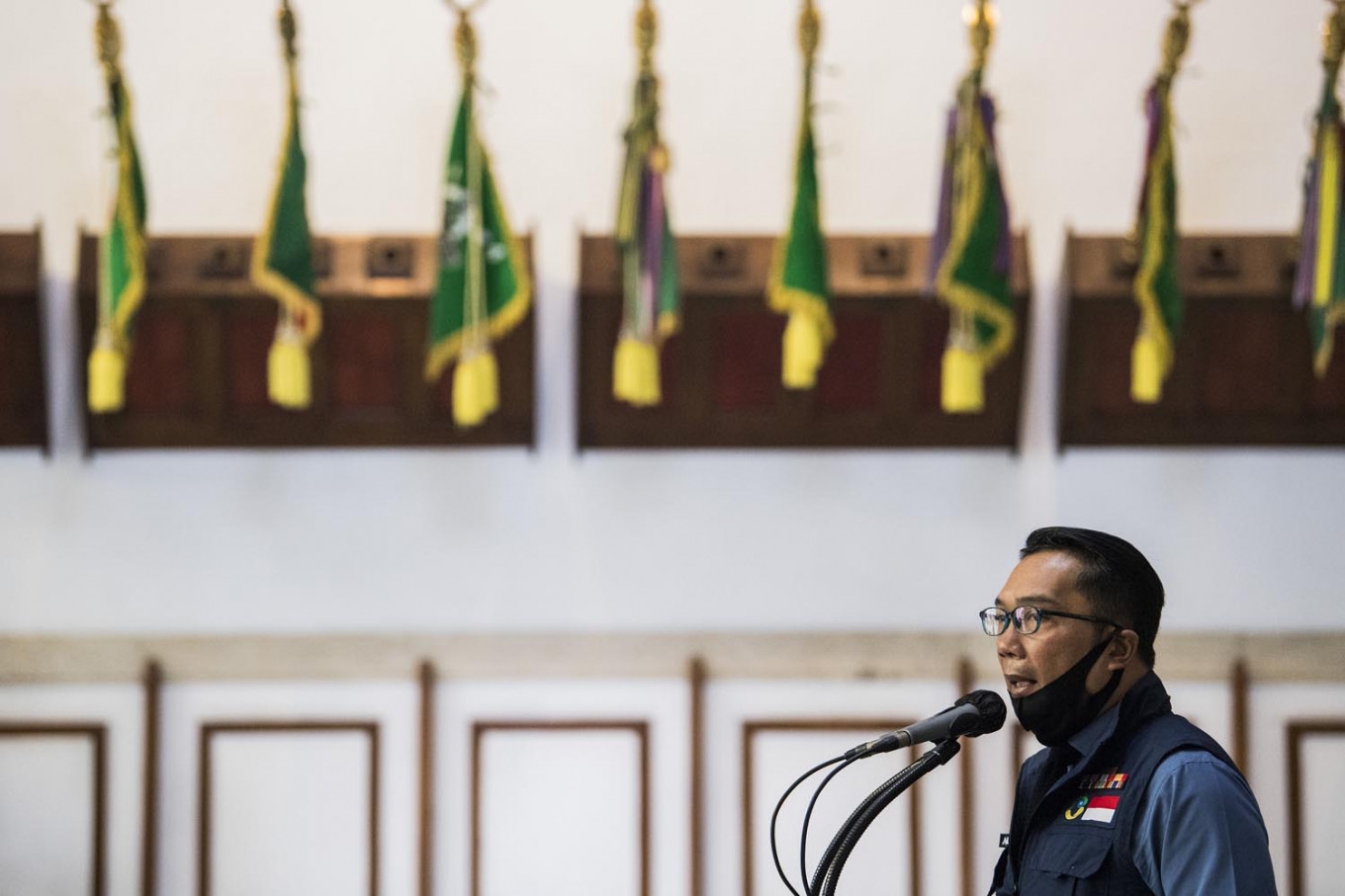 Ridwan Kamil opens office in Depok to monitor COVID-19, regional elections