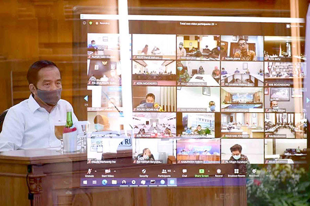 COVID-19: Jokowi again lambasts Cabinet for 'lethargic' response to pandemic