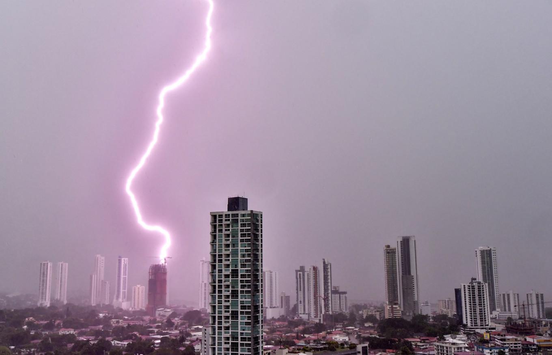 700-kilometer Brazil 'megaflash' sets lightning record: UN