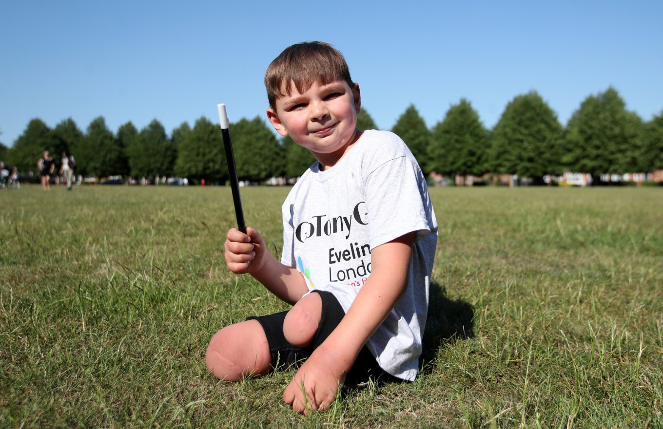 British double amputee Tony Hudgell, aged five, raises 1 million pounds with walk