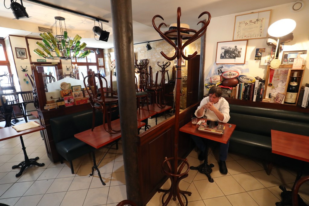 French bistros down but not out: Paris chef