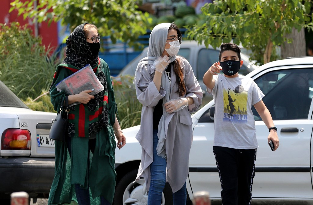 Virus-hit Iran says masks compulsory from next week
