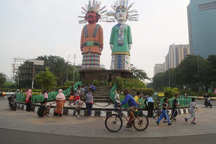 Jakarta extends transition phase, postponing further relaxation by 14 days