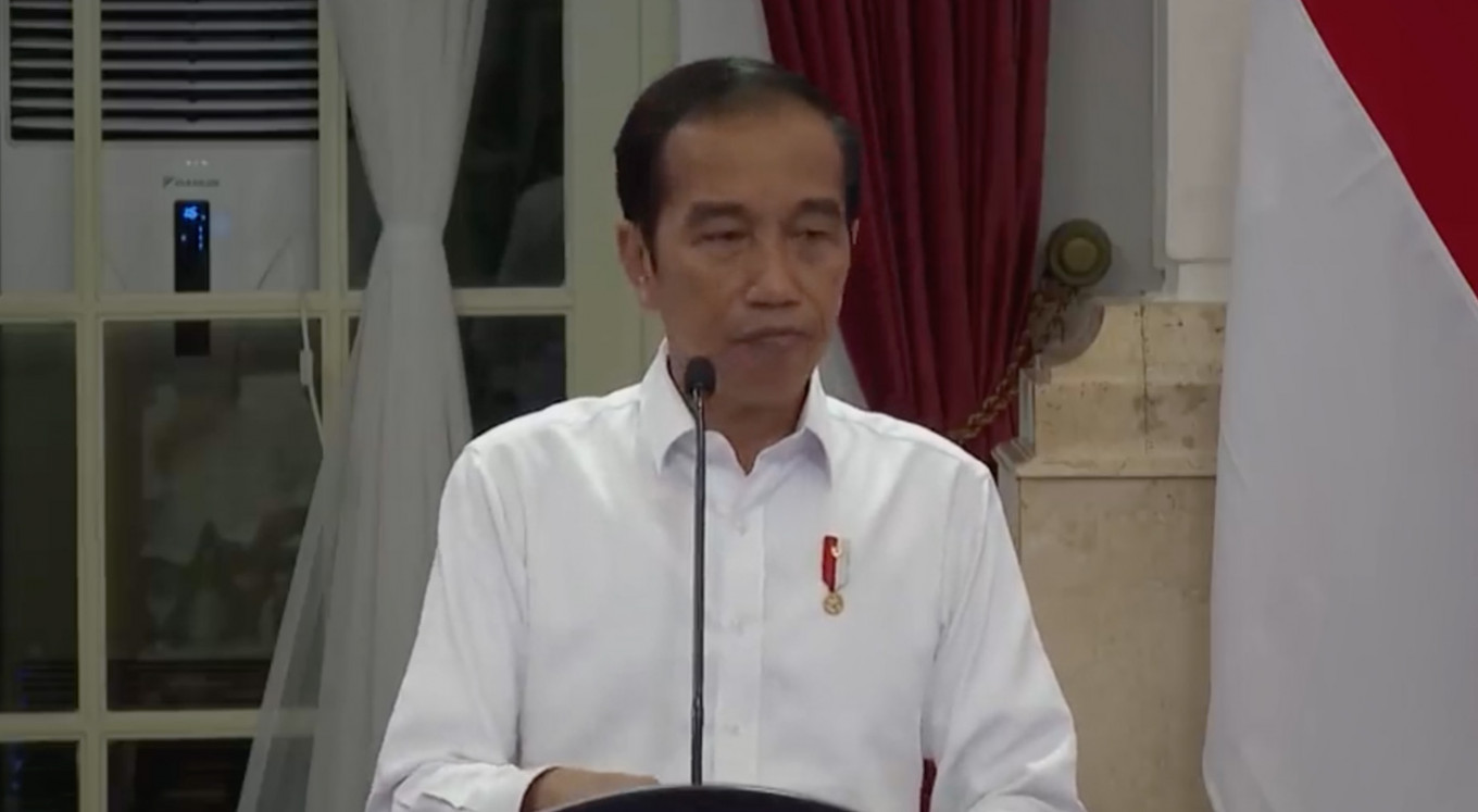 Jokowi slams officials over poor COVID-19 budget planning and spending, again