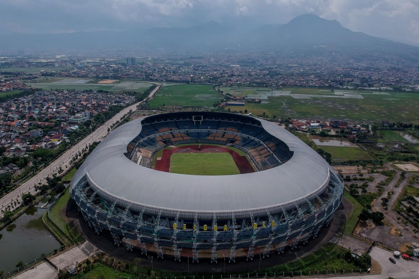 Indonesia's soccer leagues delayed until November amid COVID-19 concerns