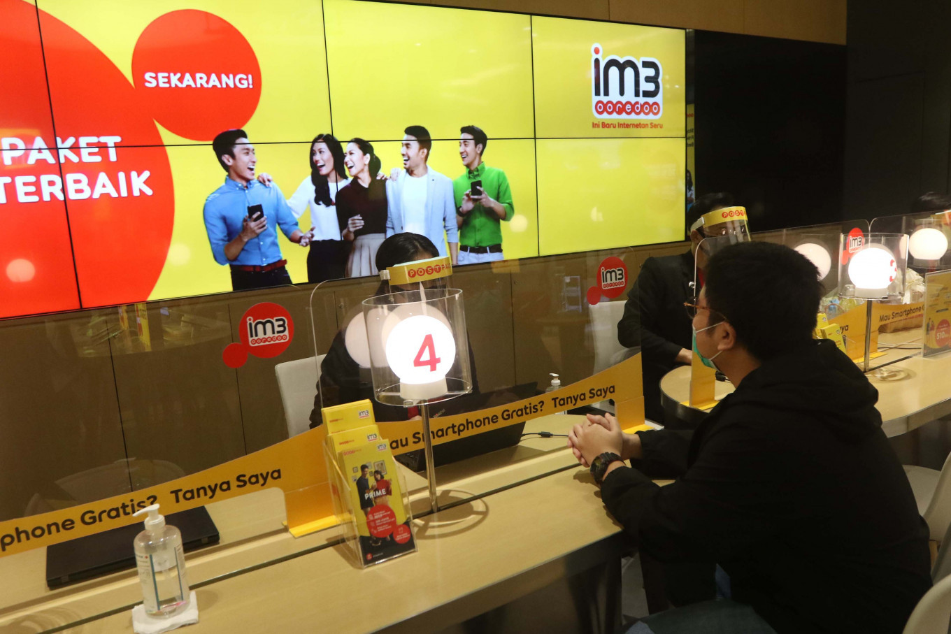 Indosat launches digital operation with Ericsson, Huawei
