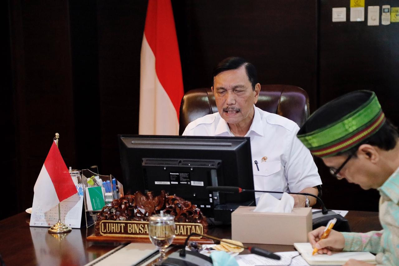 Luhut to reopen tourism in Banyuwangi, Bali next week