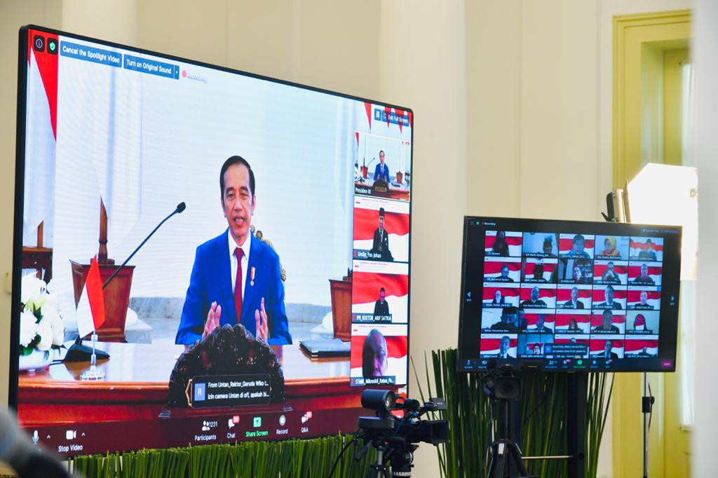 Online university courses to become 'next normal' for students, Jokowi says