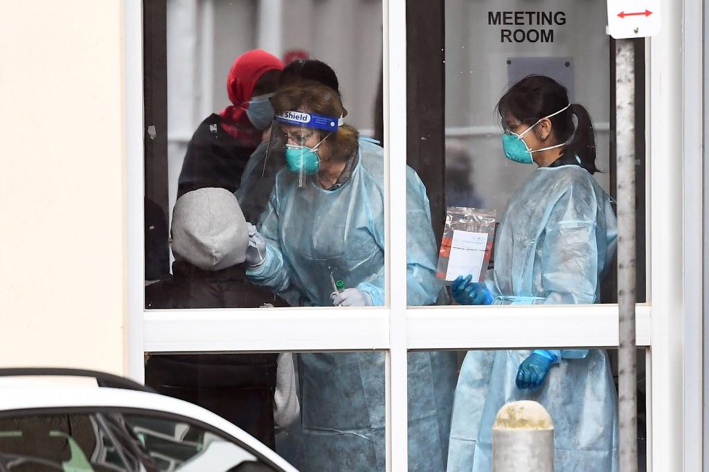 Australia: Melbourne heads back into coronavirus lockdown